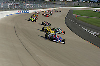 Dario Franchitti leads at the Nashville Superspeedway, Firestone Indy 200, July 16, 2005