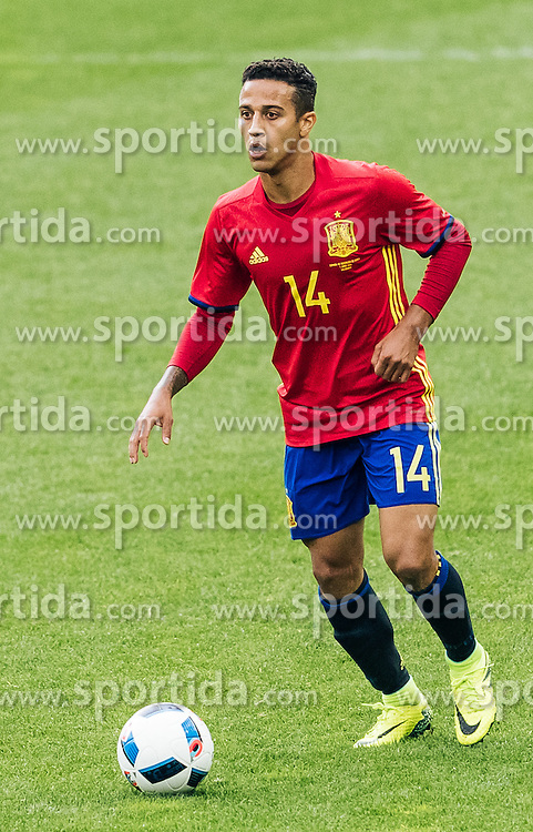 01.06.2016, Red Bull Arena, Salzburg, AUT, Testspiel, Spanien vs Suedkorea, im Bild Thiago Alcantara (ESP) // Thiago Alcantara of Spain during the International Friendly Match between Spain and South Korea at the Red Bull Arena in Salzburg, Austria on 2016/06/01. EXPA Pictures © 2016, PhotoCredit: EXPA/ JFK