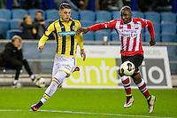 ARNHEM - Vitesse - PSV , Voetbal , Eredivisie , Seizoen 2016/2017 , Gelredome , 29-10-2016 ,  Vitesse speler Milot Rashica (l)  in duel met PSV speler Jetro Willems (r)