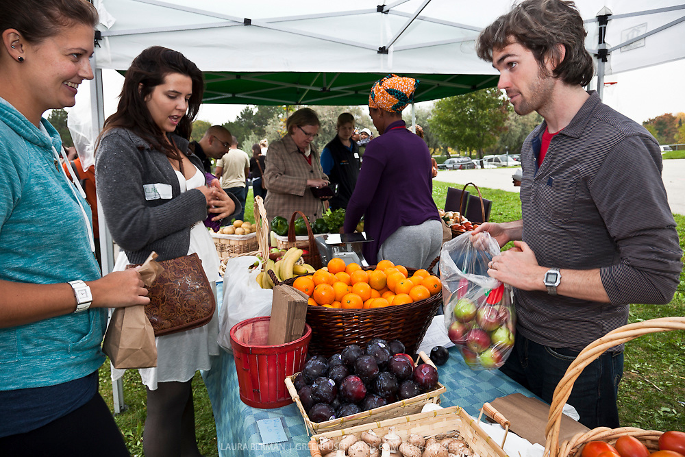 FoodShare's Good Food Market at Jane and Shoreham, where fresh peroduce is available at reasonale prices.