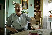 07.07.2006 Warsaw Poland Wieslaw Chrzanowski politician statesman former head of Polish Parliament in his apartment Fot Piotr Gesicki