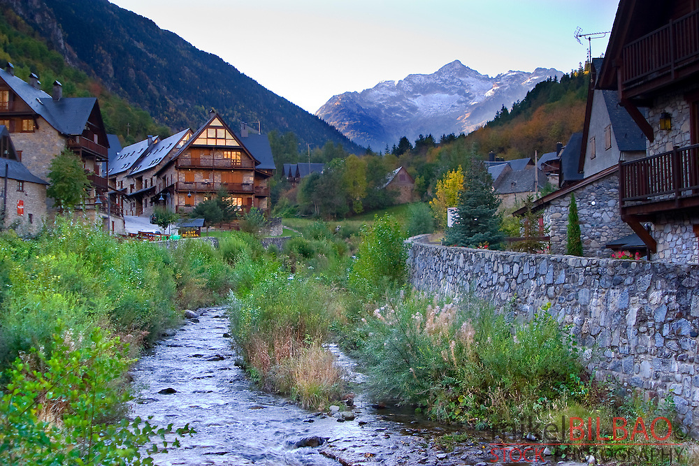 Arties village, Valarties river and Montardo mountain.<br /> Aran Valley. Lerida province.  Catalonia, Spain, Europe