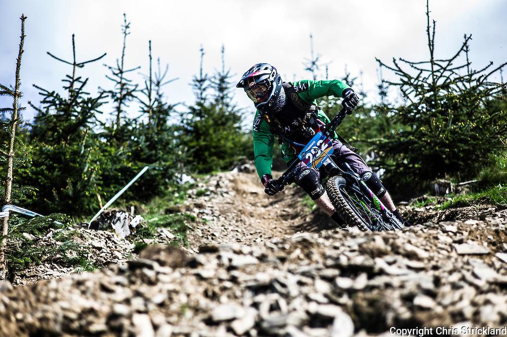 Glentress, Peebles, Tweed Valley, Scotland, UK. 22nd May 2016. Mountain bikers compete in the Shimano International Enduro during Tweedlove Bike Festival in the Scottish Borders.