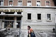 L'AQUILA. LA STRUTTURA DEL GRAND HOTEL DE L'AQUILA CHIUSO A CAUSA DEI GRAVI DANNI PROVOCATI TERREMOTO