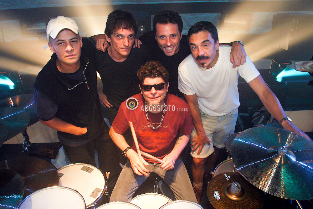 """Sao Paulo, SP, Brasil. 12/03/2004.Titas estreiam o Show """"Como Estao Voces?""""./ Debut of Titas concert """"Como estao voces?"""".Foto Marcos Issa/Argosfoto"""