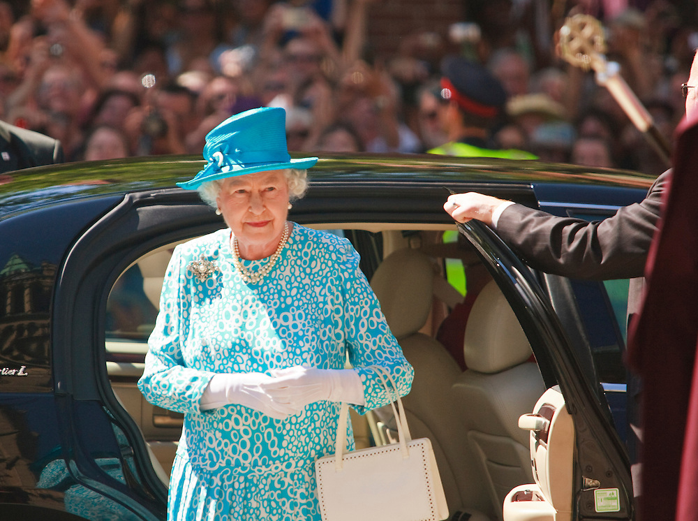 Queen Elizabeth II arrives for Sunday service at St. James' Cathedral in Toronto, Canada  July 4, 2010.<br /> AFP/GEOFF ROBINS/STR