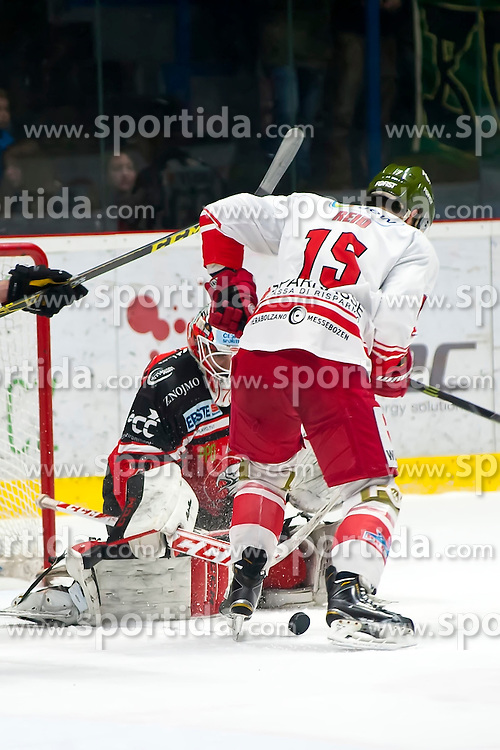 28.12.2015, Ice Rink, Znojmo, CZE, EBEL, HC Orli Znojmo vs HCB Suedtirol, 36. Runde, im Bild v.l. Patrik Nechvatal (HC Orli Znojmo) Brodie Reid (HCB Sudtirol) // during the Erste Bank Icehockey League 36nd round match between HC Orli Znojmo and HCB Suedtirol at the Ice Rink in Znojmo, Czech Republic on 2015/12/28. EXPA Pictures © 2015, PhotoCredit: EXPA/ Rostislav Pfeffer