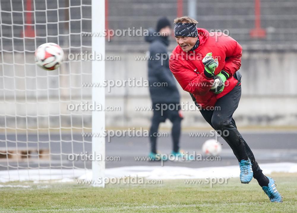 17.02.2015, Trainingsgel&auml;nde, Augsburg, GER, 1. FBL, FC Augsburg, Training, im Bild Alexander Manninger (Torwart FC Augsburg #1), // during a trainingssession of the german 1st bundesliga club FC Augsburg at the Trainingsgel&auml;nde in Augsburg, Germany on 2015/02/17. EXPA Pictures &copy; 2015, PhotoCredit: EXPA/ Eibner-Pressefoto/ Krieger<br /> <br /> *****ATTENTION - OUT of GER*****