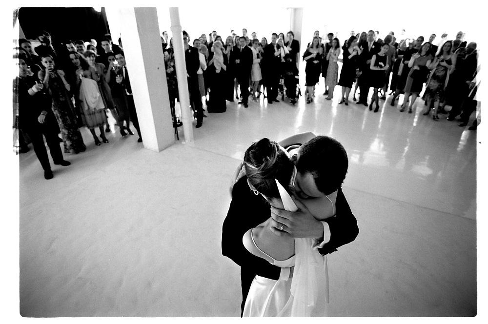 Första dansen. .Joby Harold and Tory Tunnell's wedding in New York City..Photographer: Chris Maluszynski /MOMENT