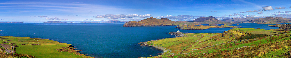 Impressiv panoramic view of Valentia Island with Valentia Lighthouse, Ring of Kerry, Southwest Kerry, Ireland / vl042