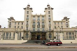 Edificio Sede do Mercosul, na Rambla Playa Ramirez, antigo Parque -Hotel/ Mercosur Headquarter Building<br /> Foto &copy; Marcos Issa/Argosfoto