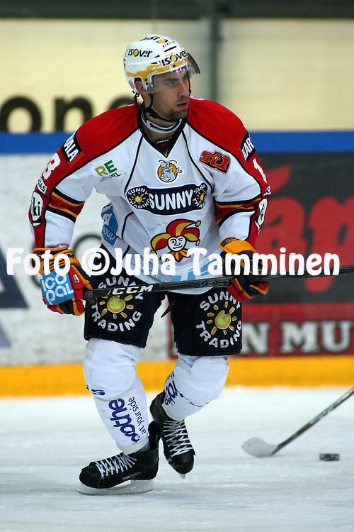 21.01.2010, Hakamets?n j??halli, Tampere..J??kiekon SM-liiga 2009-10.Tappara - Jokerit.Semir Ben-Amor - Jokerit.©Juha Tamminen.