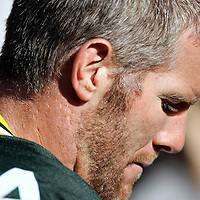 (2005)-Brett Favre on the field before the start of the game..The Green Bay Packers hosted the New Orleans Saints at Lambeaus Field Sunday October 9, 2005. Steve Apps-State Journal.