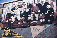 Mural honoring the Fordyce, Arkansas football program and infamous hometown player Bear Bryant, who later became the longtime head coach of the University of Alabama football team.