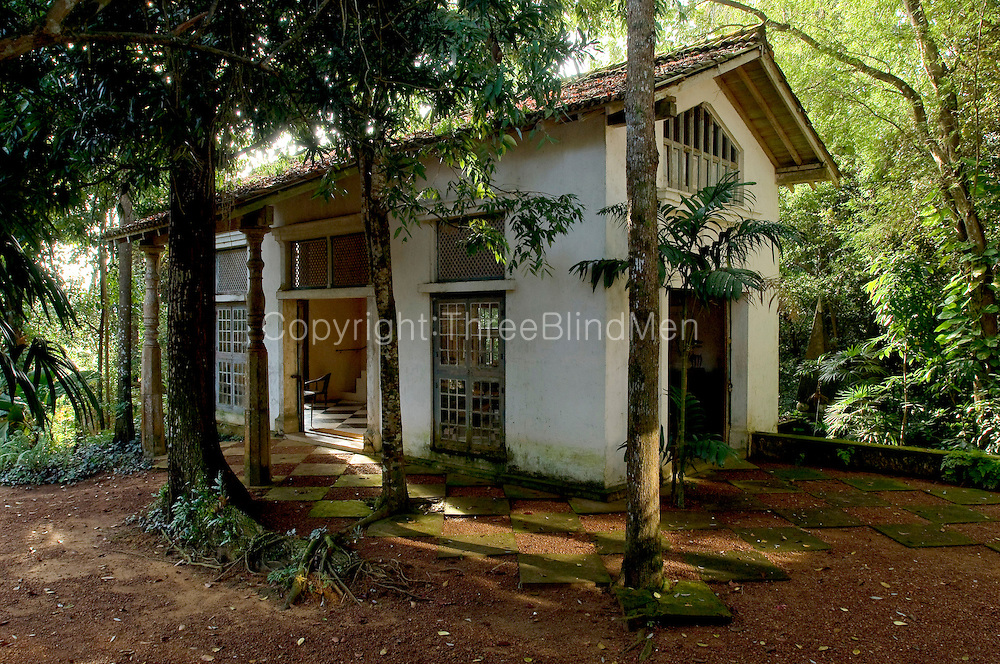 Sri lanka lunuganga the country home and garden of for House garden design sri lanka