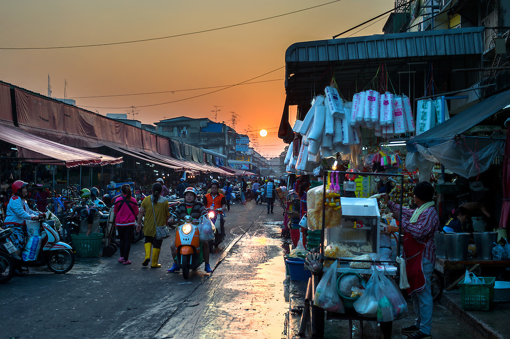 Khlong Toei Market, Jan 24, 2014, Bangkok, Thailand PHOTO BY LEE CRAKER