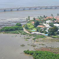 Coco del Mar is a very exclusive, suburbian residential area nestled off of the Pacific coast just outside Panama City between the more commonly known points of Punta Pacifica and Costa del Este. It is located very near to Old Panama, which once served as the forts of the Spanish Explorers in the 1600´s,