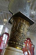 11/07/06 - THIERS - PUY DE DOME - FRANCE - Collection du Musee de la Coutellerie. Couteau de vitrine - Photo © Jerome CHABANNE