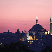 http://www.insidethetravellab.com/about-istanbul-crossing-between-europe-asia/
