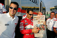 Helio Castroneves, Sam Hornish Jr., Kansas Lottery Indy 300, Kansas Speedway, Kansas City, KS USA 7/2/2006