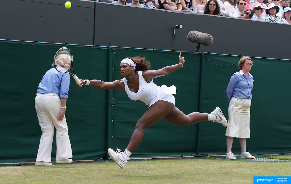 Serena Williams, USA, in action during her victory over Roberta Vinci, Italy, during the third round of the Ladies Single competition at the All England Lawn Tennis Championships at Wimbledon, London, England on Friday, June 26, 2009. Photo Tim Clayton.