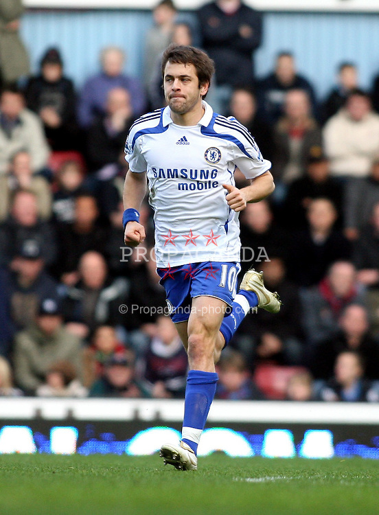 LONDON, ENGLAND - Saturday, March 1st, 2008:  Chelsea's Joe Cole celebrates scoring the second goal in low key fashion against his former club  West Ham during the Barclays Premiership match at Upton Park. (Photo by Chris Ratcliffe/Propaganda)
