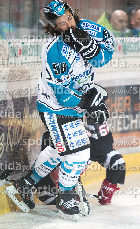 17.11.2015, Tiroler Wasserkraft Arena, Innsbruck, Österreich, EBEL, HC TWK Innsbruck die Haie vs EHC Liwest Black Wings Linz, 21. Runde, im Bild vl.:  Sebastien Piche (EHC Liwest Black Wings Linz), Tyler Spurgeon (HC TWK Innsbruck Die Haie) // during the Erste Bank Icehockey League 21st round match between HC TWK Innsbruck  die Haie and EHC Liwest Black Wings Linz at the Tiroler Wasserkraft Arena in Innsbruck, Austria on 2015/11/17. EXPA Pictures © 2015, PhotoCredit: EXPA/ Jakob Gruber