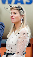 POSNAN - King Willem-Alexander and Queen Maxima of The Netherlands travel by train to the centre of Poznan and arrive at station Poznan Glowny, Poland, 25 June 2014. The king and queen are in Poland for their first state visit 24 and 25 june. COPYRIGHT ROBIN UTRECHT
