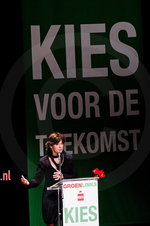 nedrland,utrecht 05feb2011 Jolande Sap spreekt het congres toe van groen links in utrecht . Veel moties en stemmingen over de politie missie naar afghanistan en het bepalen van de lijst voor de eerste kamer.