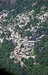 Rio de Janeiro, RJ, Brasil.  2004.Vista aerea da favela da Rocinha./ Aerial view of Rocinha Slum..Foto © Marcos Issa/Argosfoto