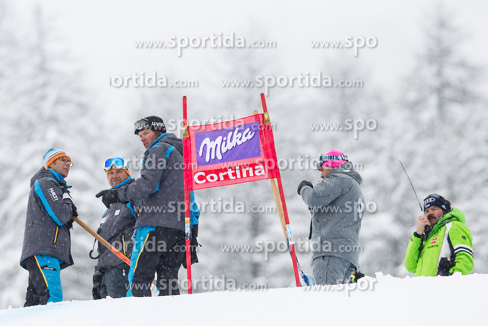 18.01.2014, Olympia delle Tofane, Cortina d Ampezzo, ITA, FIS Weltcup Ski Alpin, Abfahrt, Damen, im Bild Abfahrt der Damen wegen weicher Piste abgesagt // the ladies downhill was canceled due to weather conditions during the Cortina d Ampezzo FIS Ski Alpine World Cup at the Olympia delle Tofane course in Cortina d Ampezzo, Italy on 2014/01/18.