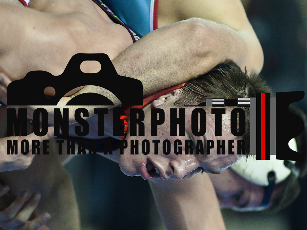 12/18/11 Newark DE: Ryan Wolfe of Carvel taking on Scott Gibbons of Archbishop Rummel high school during the Beast of the East 182 pounds Semi-Finals Sunday Dec. 18, 2011 at The Bob Carpenter Center in Newark Delaware.<br /> <br /> Special to The News Journal/SAQUAN STIMPSON