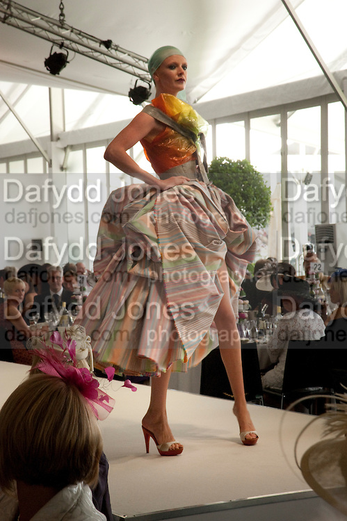 OLIVIA INGE, Fashion shows in the Besborough Restaurant during Ascot week. Ascot. Tuesday 16 June 2009.  *** Local Caption *** -DO NOT ARCHIVE-&copy; Copyright Photograph by Dafydd Jones. 248 Clapham Rd. London SW9 0PZ. Tel 0207 820 0771. www.dafjones.com.<br /> OLIVIA INGE, Fashion shows in the Besborough Restaurant during Ascot week. Ascot. Tuesday 16 June 2009.