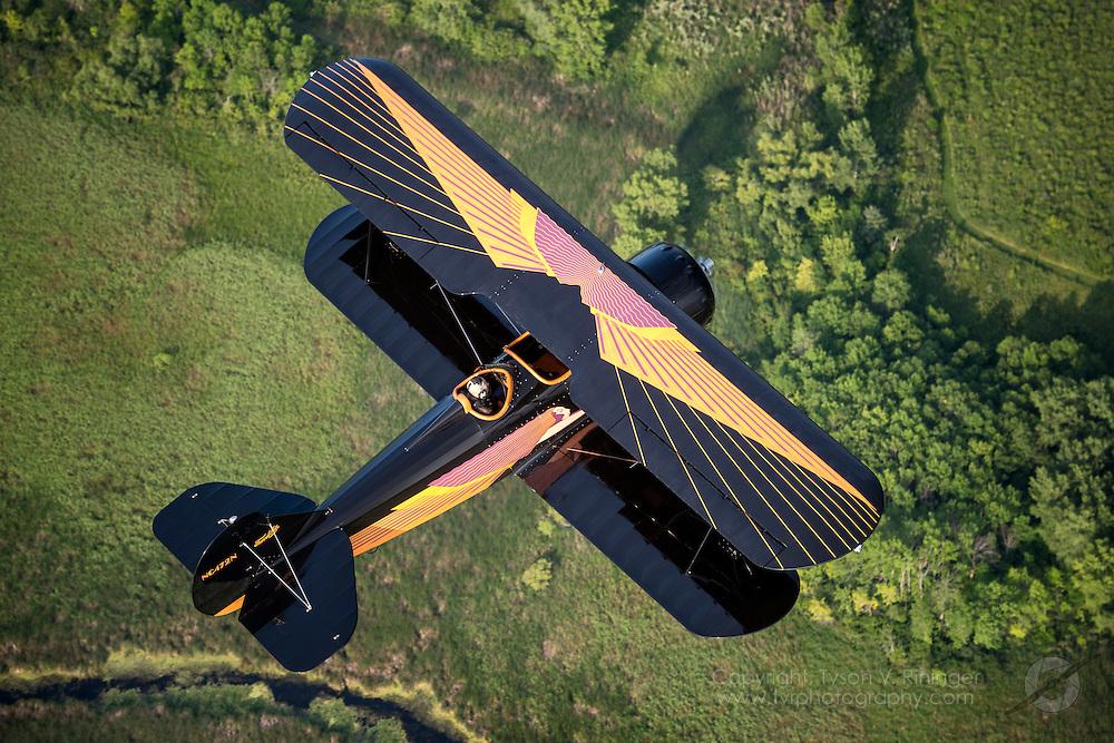 Curtiss-Wright Travel Air D-4-D, N472N