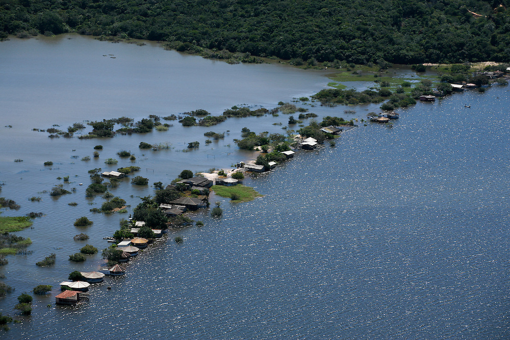 May 15th 2006. West of Santarem (Para State, Brazil). Amazon river, aerial scouting of the flooding affected area.