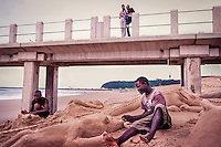 Durban, South Africa: Watching the sand sculptors