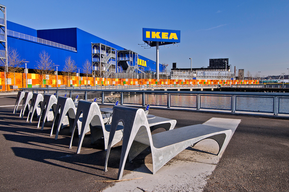 ikea benches red hook brooklyn new york city new york usa jake rajs photography. Black Bedroom Furniture Sets. Home Design Ideas