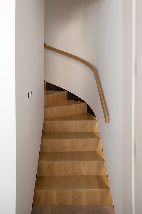 bespoke wooden staircase and bannister