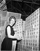 1960 -  Miss Ireland visits Wills tobacco Factory