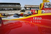 Helio Castroneves, Indianapolis 500 qualifying, Indianapolis Motor Speedway, Indianapolis, IN USA 5/14/2011-5/29/2011