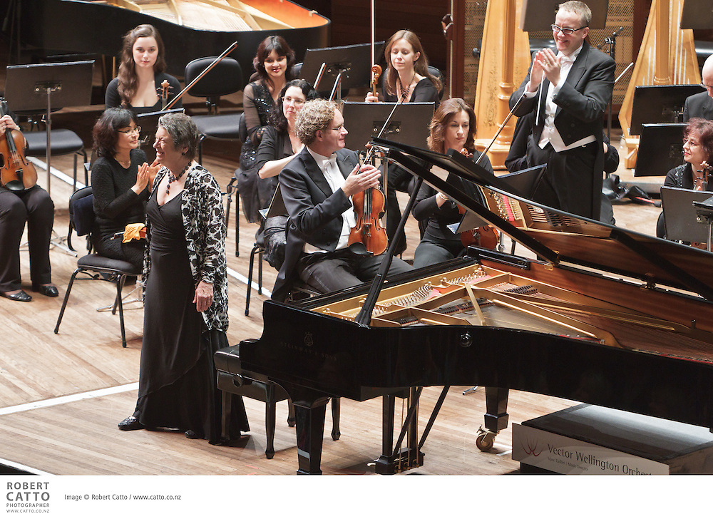 On the tenth anniversary of the World Trade Centre attack, the Vector Wellington Orchestra marked the occasion with John Adams' Pulitzer prize-winning On the Transmigration of Souls, commissioned by the New York Philharmonic to commemorate those who lost their lives in the tragedy...Beethoven Symphony 5 in C minor Op. 67.Mozart Piano Concerto No. 25 in C Major K. 503.Adams On the Transmigration of Souls..Marc Taddei - conductor.Diedre Irons - piano.Orpheus Choir.The Choristers of Wellington Cathedral of St Paul (Children's Choir)