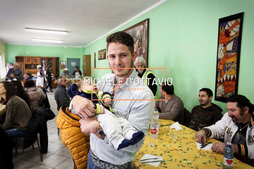Mensa Solidale Parrocchia San Giovanni Cafasso, in borgo Vittoria. Periferia Torino nord