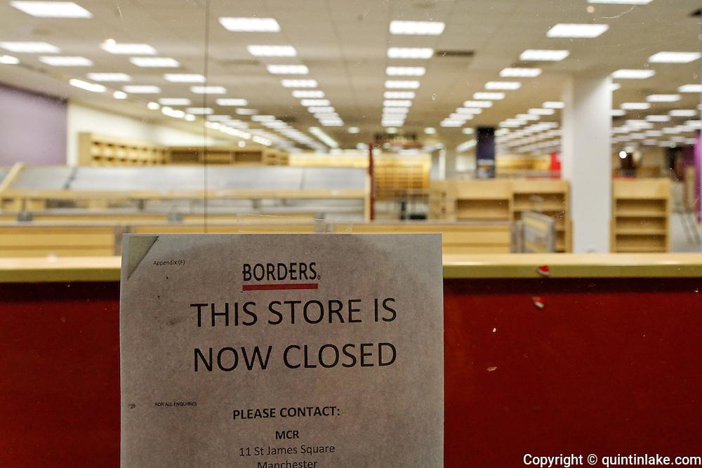 Closure Notice at Borders Bookstore, Oxford   Quintin Lake ...