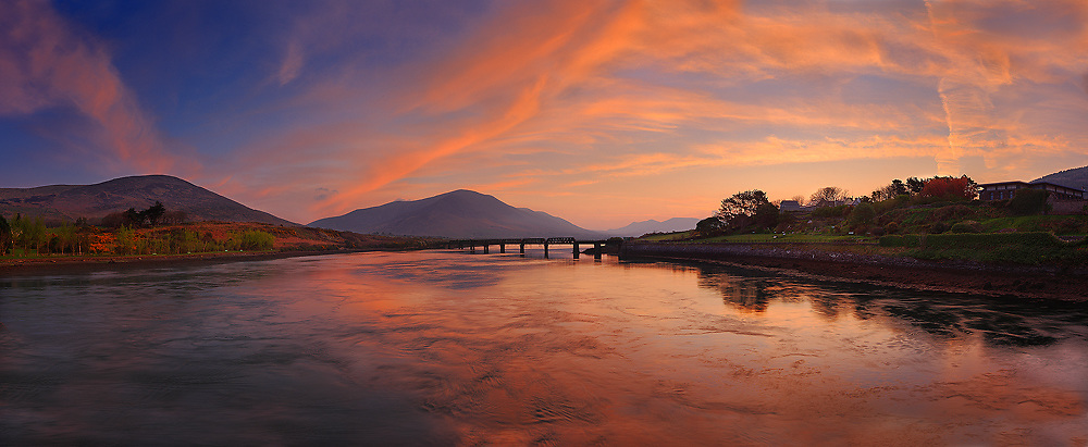 Fiery Sunrise over Knock na d'Tobar Cahersiveen with view on old bridge, County Kerry, Ireland / xch001