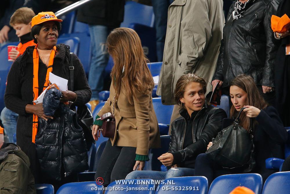 NLD/Amsterdam/20121114 - Vriendschappelijk duel Nederland - Duitsland, Lidwina Kluivert -  Kenton, moeder Patrick Kluivert