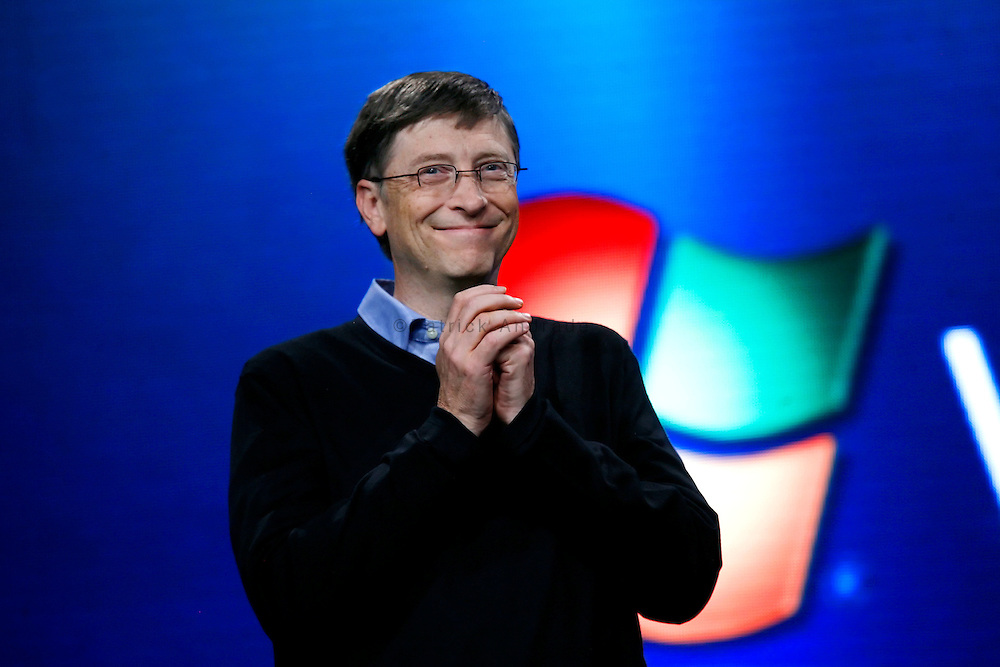 a biography of bill gates the founder of microsoft Probably no one literate man will on the earth who does not know bill gates  the world's richest man and the founder of microsoft the full name of bill gates is  william henry gates iii.