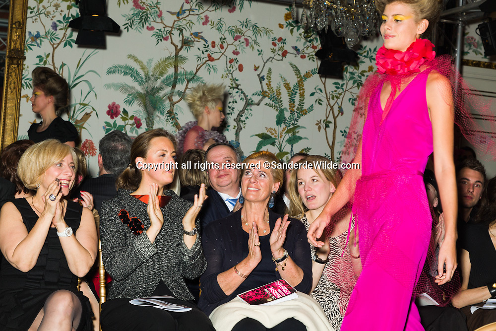 2011-03-31, Brussels, Belgium, Embassy of the United States of America: Diplomacy through Fashion organised by Dr. Michelle Loewinger with fashionshows from Michelle Smith (USA) and Anna Heylen (Belgium)