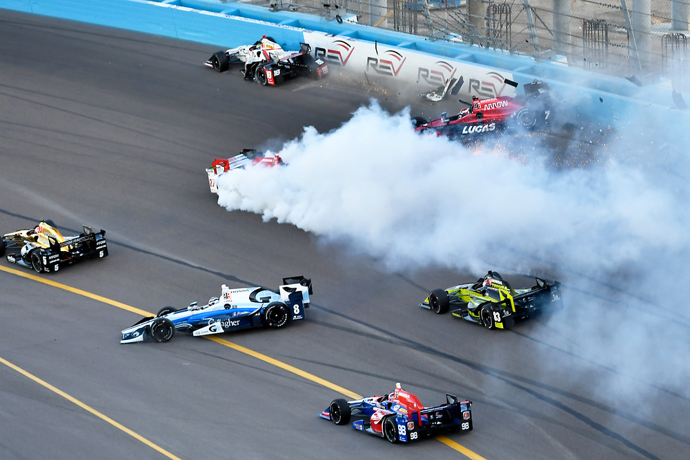 Verizon IndyCar Series<br /> Desert Diamond West Valley Phoenix Grand Prix<br /> Phoenix Raceway, Avondale, AZ USA<br /> Saturday 29 April 2017<br /> Sebastien Bourdais, Dale Coyne Racing Honda, Mikhail Aleshin, Schmidt Peterson Motorsports Honda, Marco Andretti, Andretti Autosport with Lendium Honda Crash at the start<br /> World Copyright: Scott R LePage<br /> LAT Images<br /> ref: Digital Image lepage-170429-phx-3090