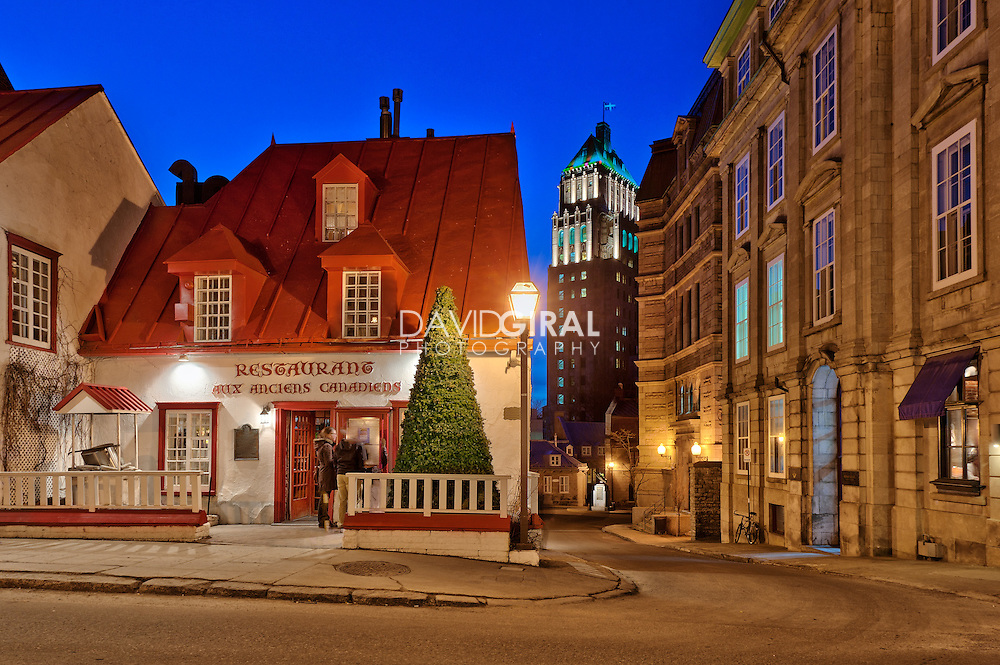 Blue hour on restaurant aux anciens canadiens rue saint - Heure canada quebec ...