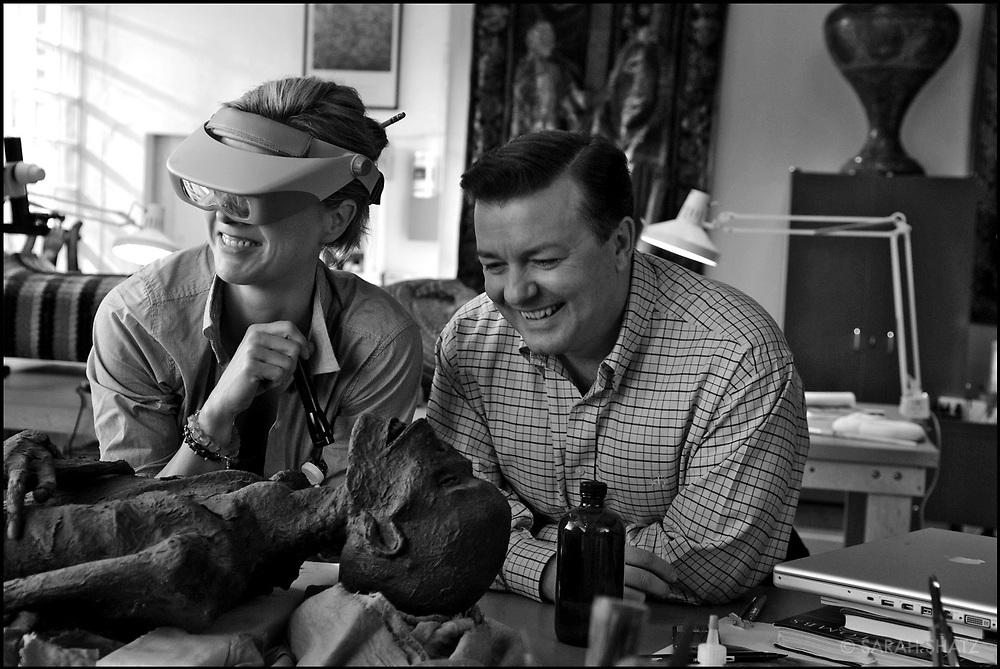 "Tea Leoni, RIcky Gervais on the set of ""Ghost Town"" (Dir: David Koepp, 2008)"